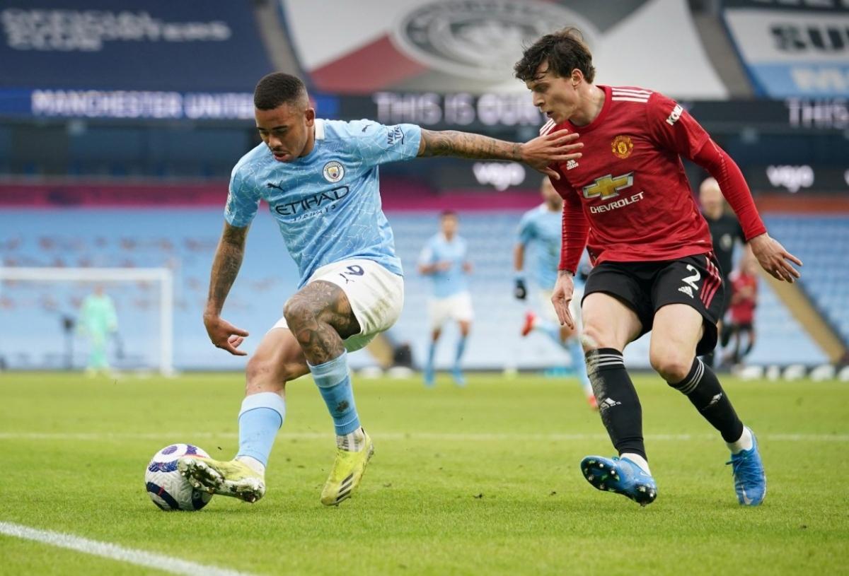 Chưa đầy 1 tuần sau trận thua MU, Man City đã tạo ra khoảng cách 17 điểm trong cuộc đua vô địch Premier League? (Ảnh: Getty)