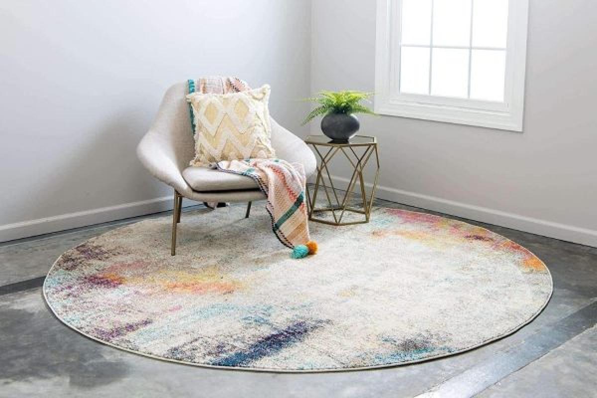 Với chi tiết tấm thảm pha màu tinh tế và độc đáo này, hẳn ai cũng muốn ngả lưng vào chiếc ghế này.