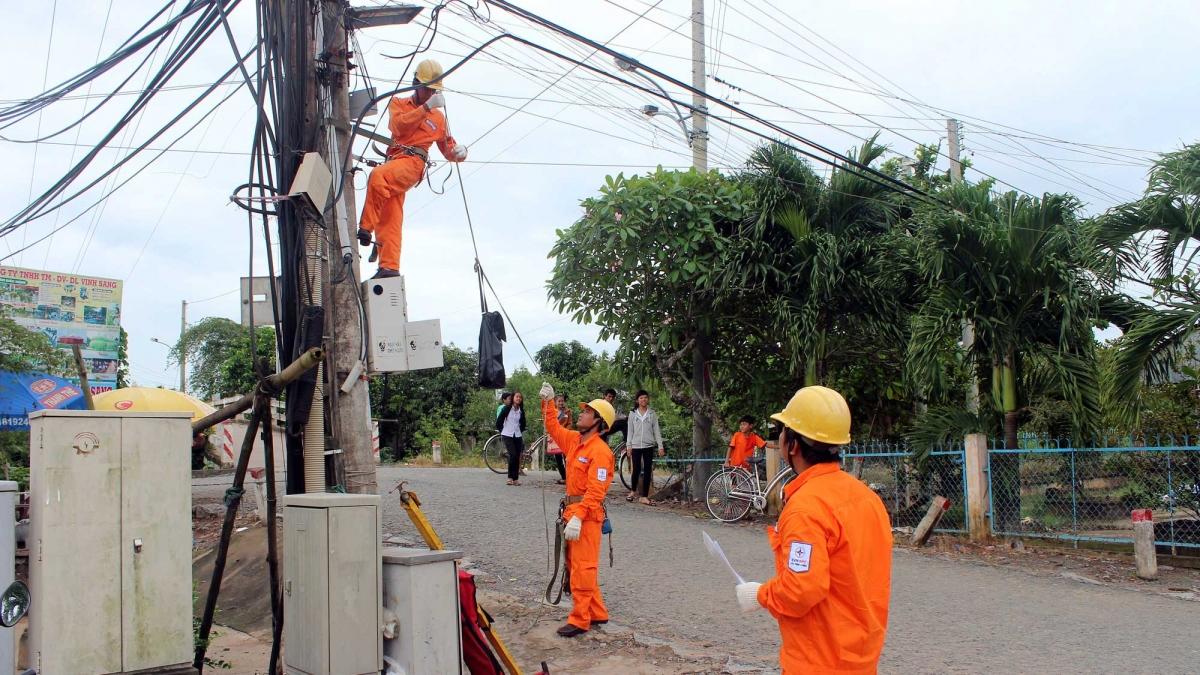 EVNSPC chủ động xây dựng các phương án để đảm bảo cung cấp điện an toàn, liên tục cho khách hàng.