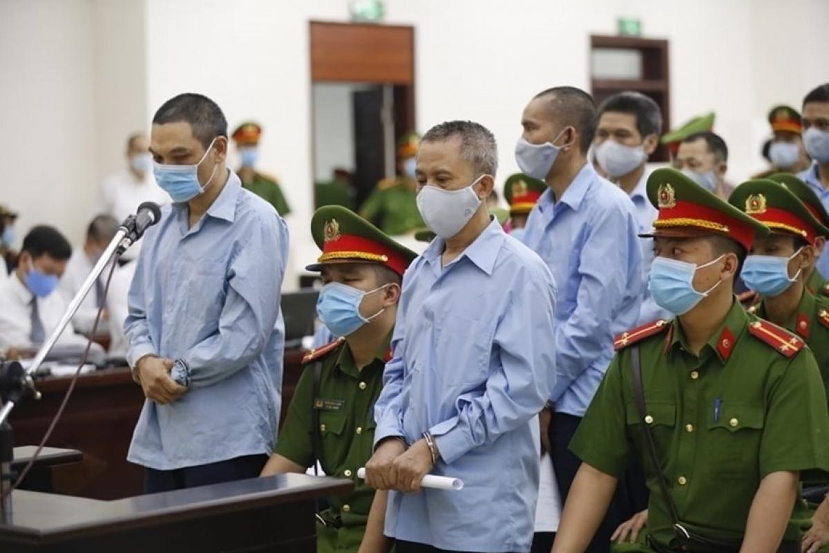 Các bị cáo tại phiên sơ thẩm (Ảnh: Hùng Anh)
