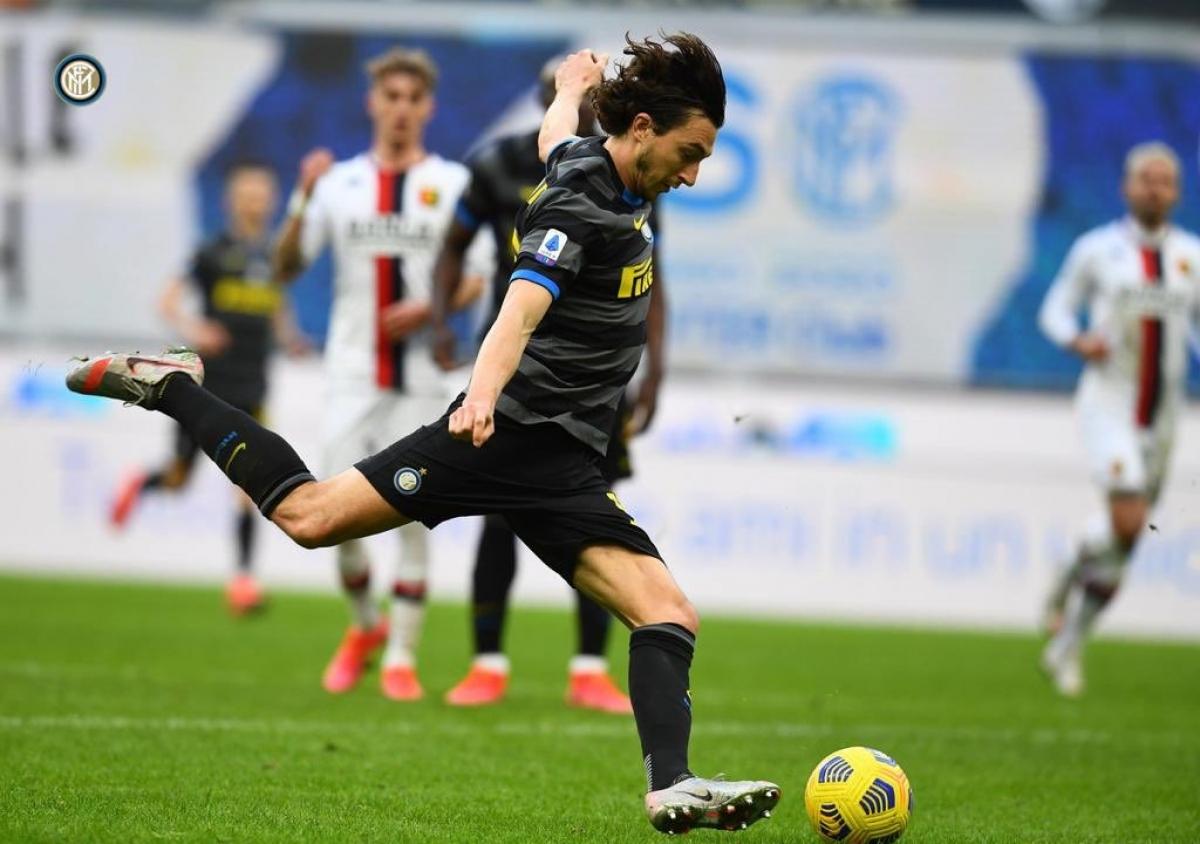 Phút 69, Matteo Darmian nhân đôi cách biệt cho Inter Milan bằng cú dứt điểm chéo góc quyết đoán.