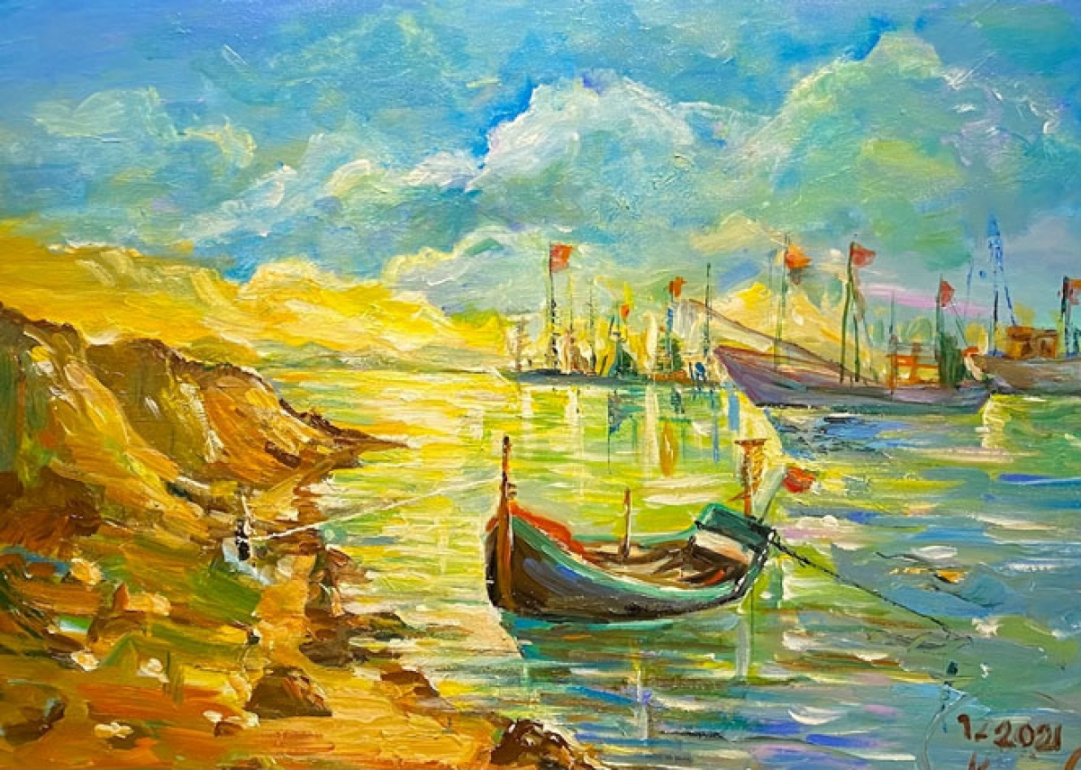 Each of the paintings was created by female artists during their trips from Thanh Hoa to Thua Thien-Hue provinces last year.