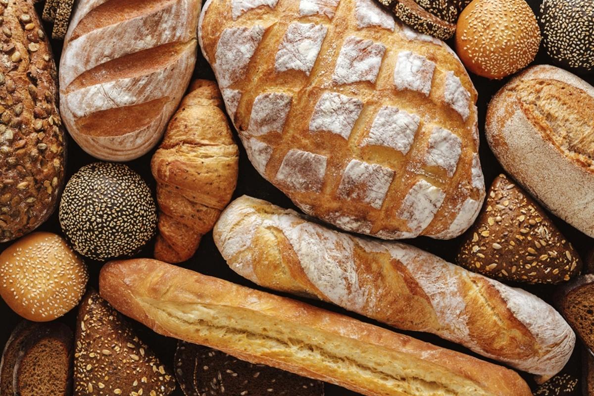 Các chế độ ăn low-carb: Theo một nghiên cứu, các chế độ ăn ít carbohydrate có thể làm giảm tới 4 năm tuổi thọ của đời người. Chuyên gia khuyến cáo bạn nên ăn uống với mức carbohydrate vừa phải, thay vì ăn quá ít chất này.