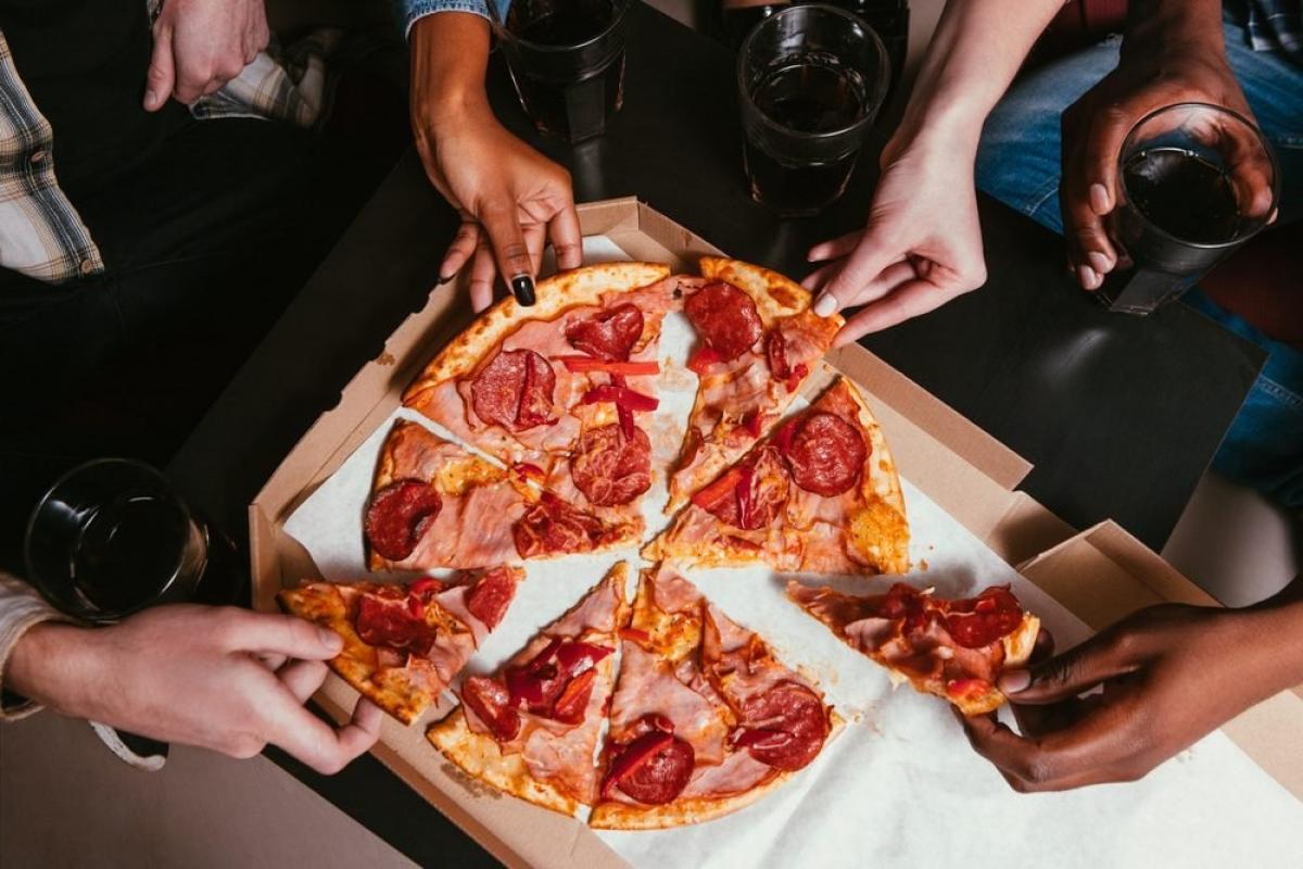 Thực phẩm giàu chất béo chuyển hóa: Một trong những bí kíp sống lâu và sống khỏe mạnh hơn là tránh xa các món bánh quy, bánh nướng, bánh ngọt và pizza - những thực phẩm giàu chất béo chuyển hóa, bởi chất béo chuyển hóa làm tăng nguy cơ mắc bệnh tim, đột quỵ và tiểu đường loại 2./.