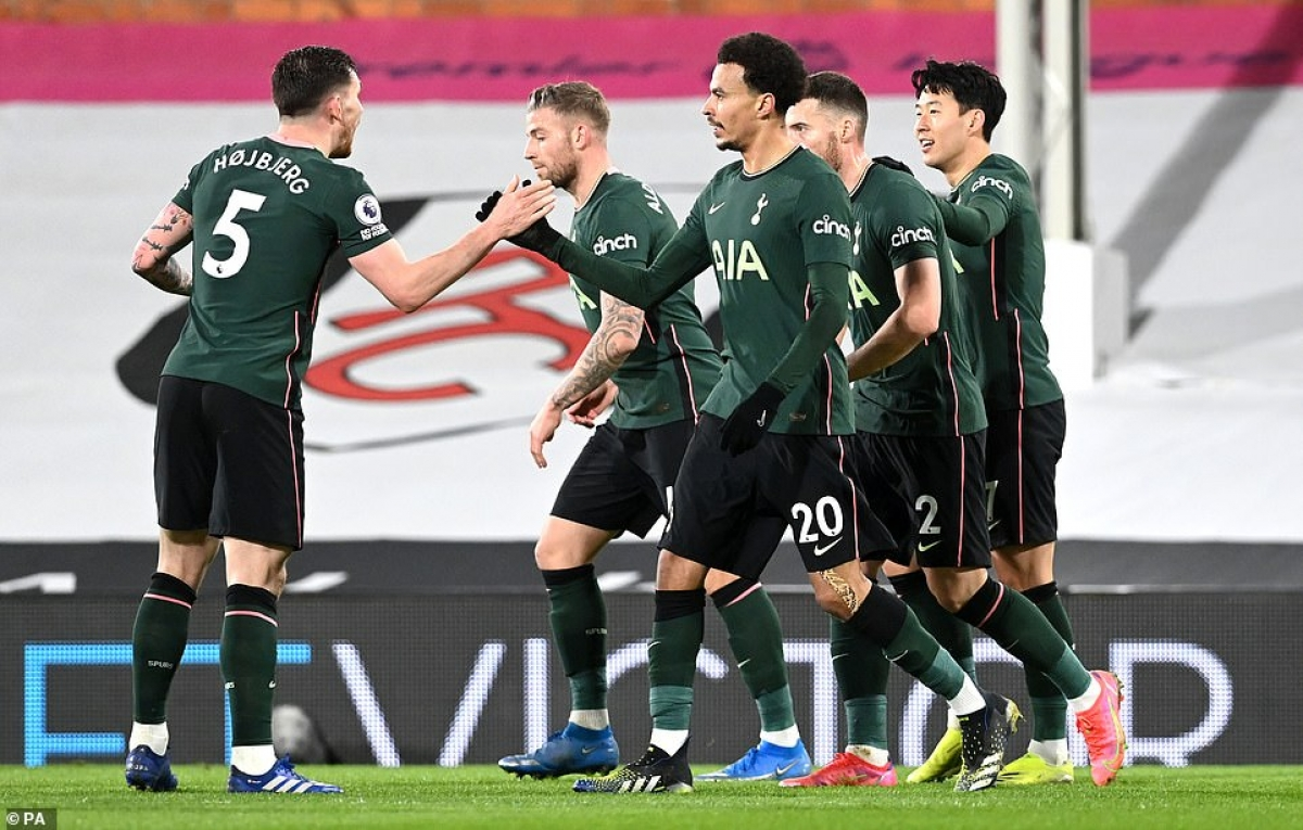 Chiến thắng 1-0 trước Fulham giúp Tottenham thắp lên hy vọng trong cuộc đua top 4 Premier League.