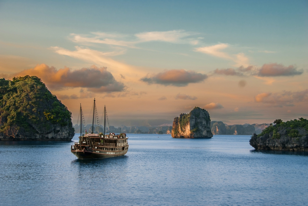 Ha Long Bay is renowned for its majestic scenery, with discovering the beautiful caves in the area proving to be an interesting experience for tourists. (Photo: Lonely Planet)