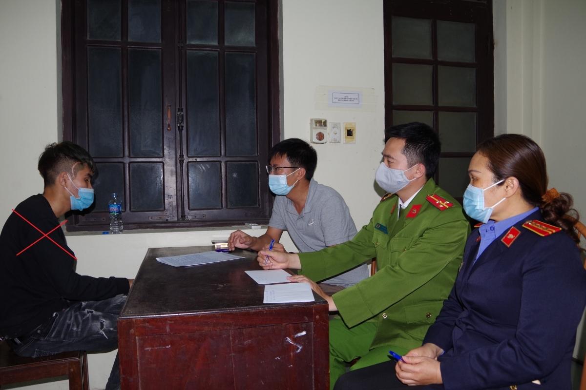 Nghi phạm Trần Mạnh Hùng tại cơ quan điều tra