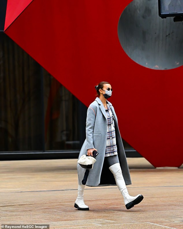 Ở tuổi 25 nhưng Irina Shayk vẫn rất trẻ trung và sở hữu gu thời trang năng động.