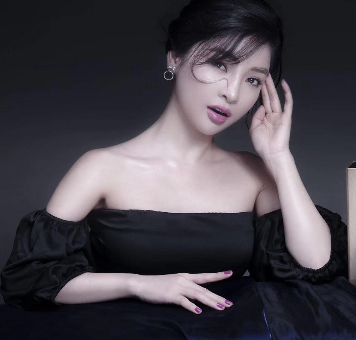 Ca sĩ Vân Nguyễn.