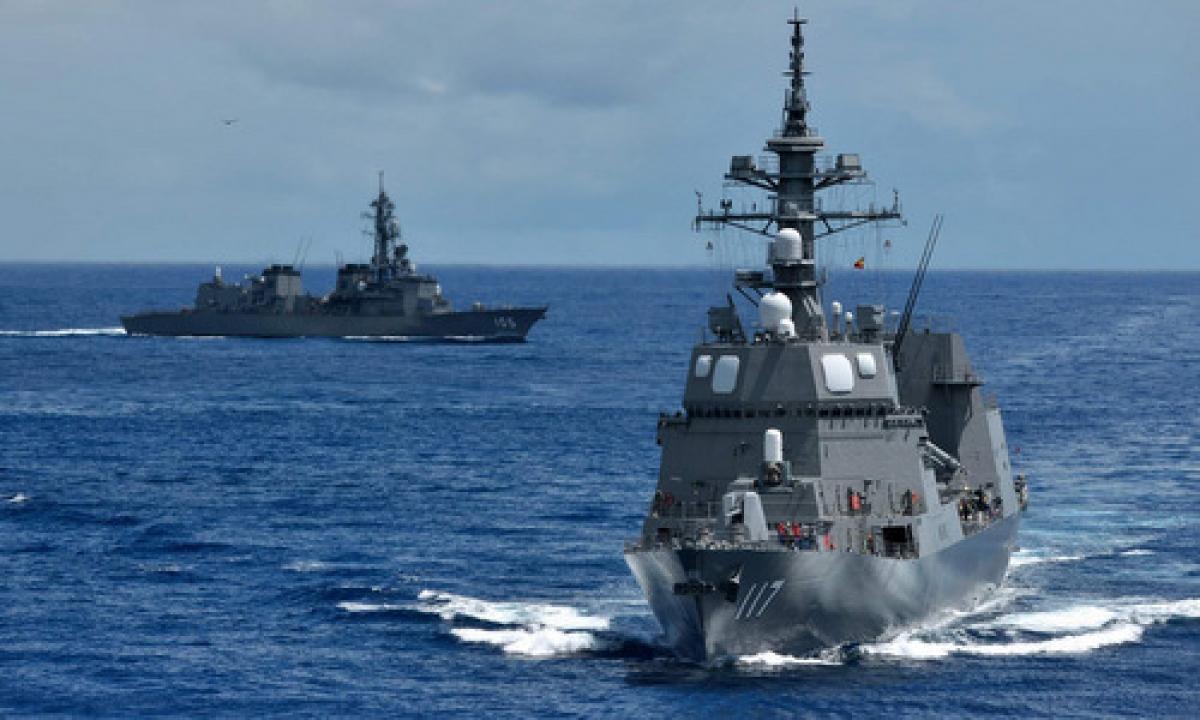 Tàu khu trục Nhật Bản hoạt động trên Biển Hoa Đông. Ảnh:JMSDF.
