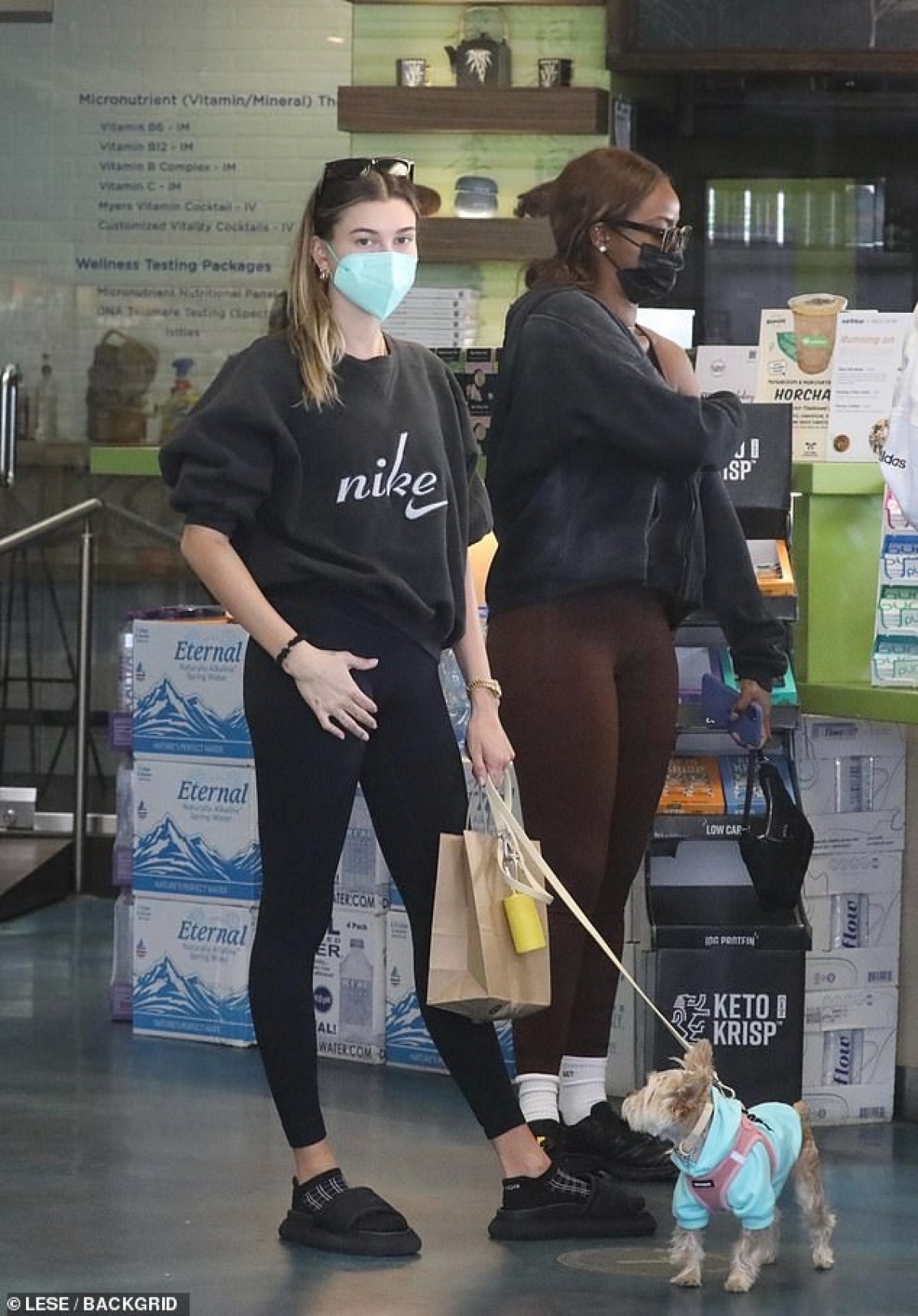 Kendall Jenner và bà xã Justin Bieber là bạn thân lâu năm của nhau.