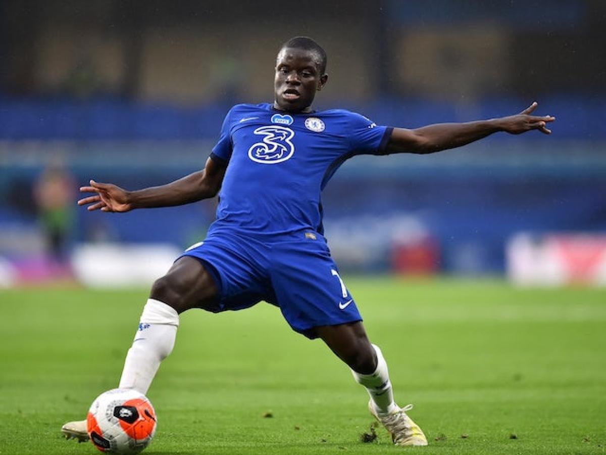 N'Golo Kante tự tin cùng Chelsea đánh bại Liverpool (Ảnh: Reuters).