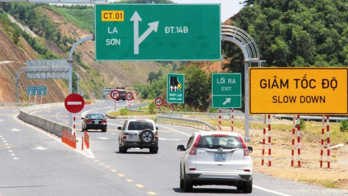Cao tốc La Sơn-Túy Loan nối Thừa Thiên Huế với Đà Nẵng sau khi hoàn thành sẽ rút ngắn quãng đường và thời gian đi lại giữaHuế với Đà Nẵng.