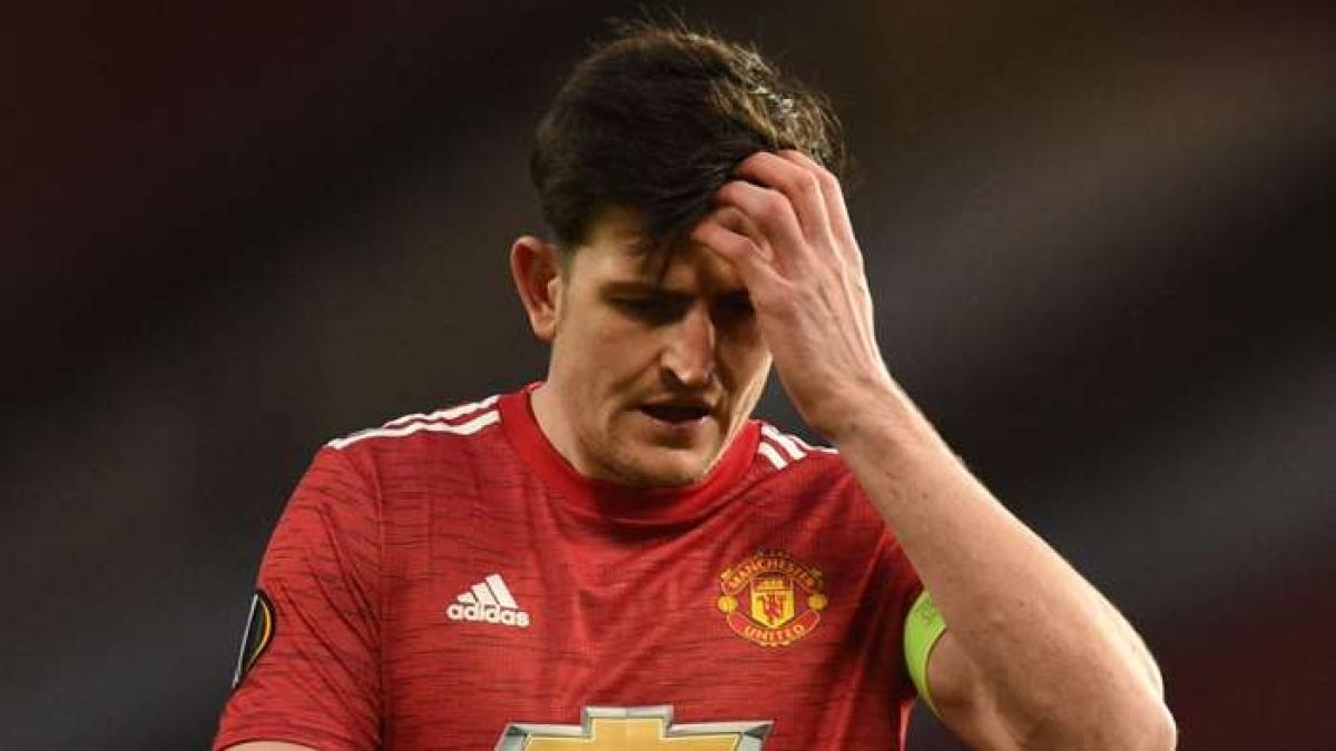 Harry Maguire bỏ lỡ cơ hội ghi bàn khó tin ở trận đấu với AC Milan (Ảnh: Getty).