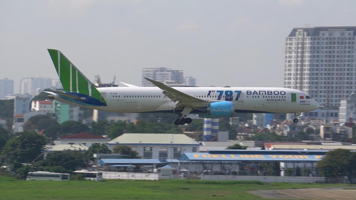 Tăng cường khai thác máy bay thân rộng để chuyên chở khách.