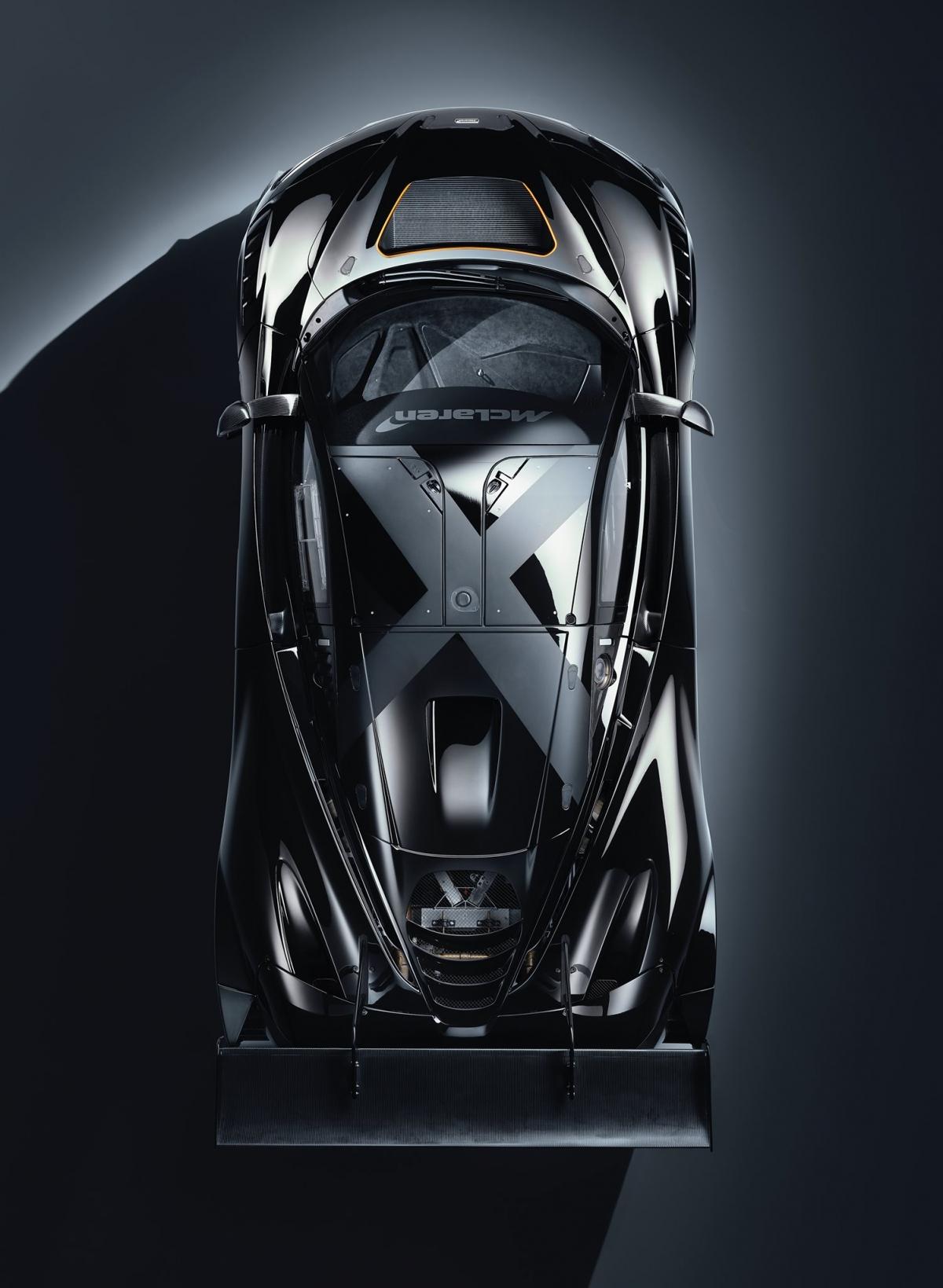 Các tinh chỉnh cho động cơ bao gồm các turbo lớn hơn và các ống góp. McLaren cho biết, sẽ chế tạo thủ công từng động cơ, đồng thời nâng cấp thêm cho xe hệ thống làm mát. Phiên bản 720S GT3X vẫn được sử dụng hệ thống khung xe Monocage II trứ danh trên những chiếc 720S.