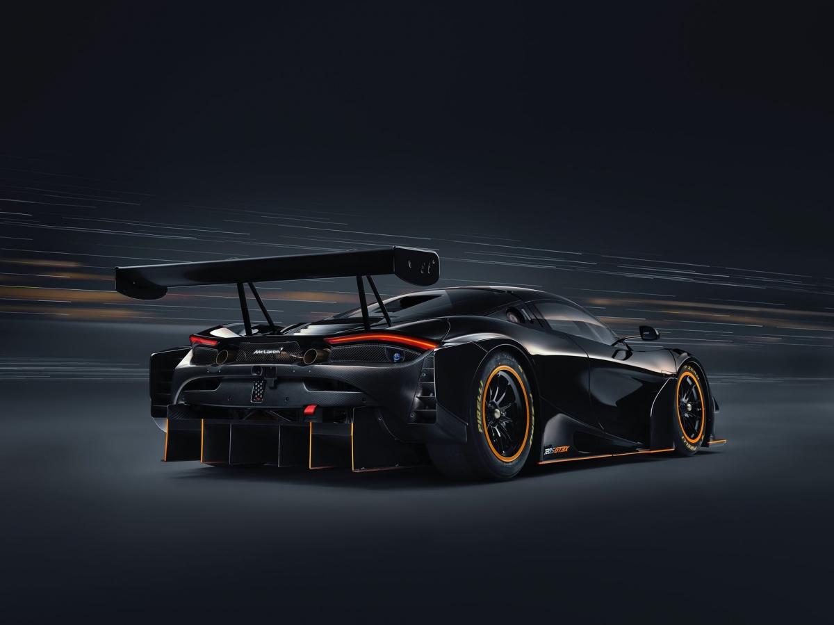 McLaren 720S GT3X được trang bị động cơ tăng áp kép V8 4.0 lít có khả năng sản sinh công suất 710 mã lực hoặc 740 mã lực khi kích hoạt hệ thống push-to-pass. Sức mạnh của chiếc 720S GT3X này mạnh hơn tới 200 mã lực so với mức công suất mà 720S GT3 có thể sản sinh.