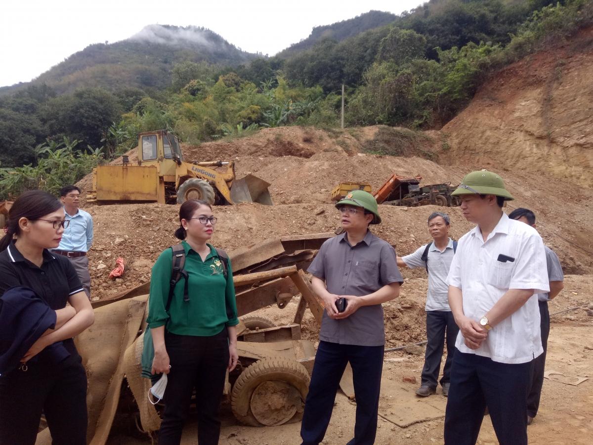 Đoàn kiểm tra do ông Đặng Ngọc Hậu, Phó chủ tịch UBND tỉnh Sơn La chủ trì.