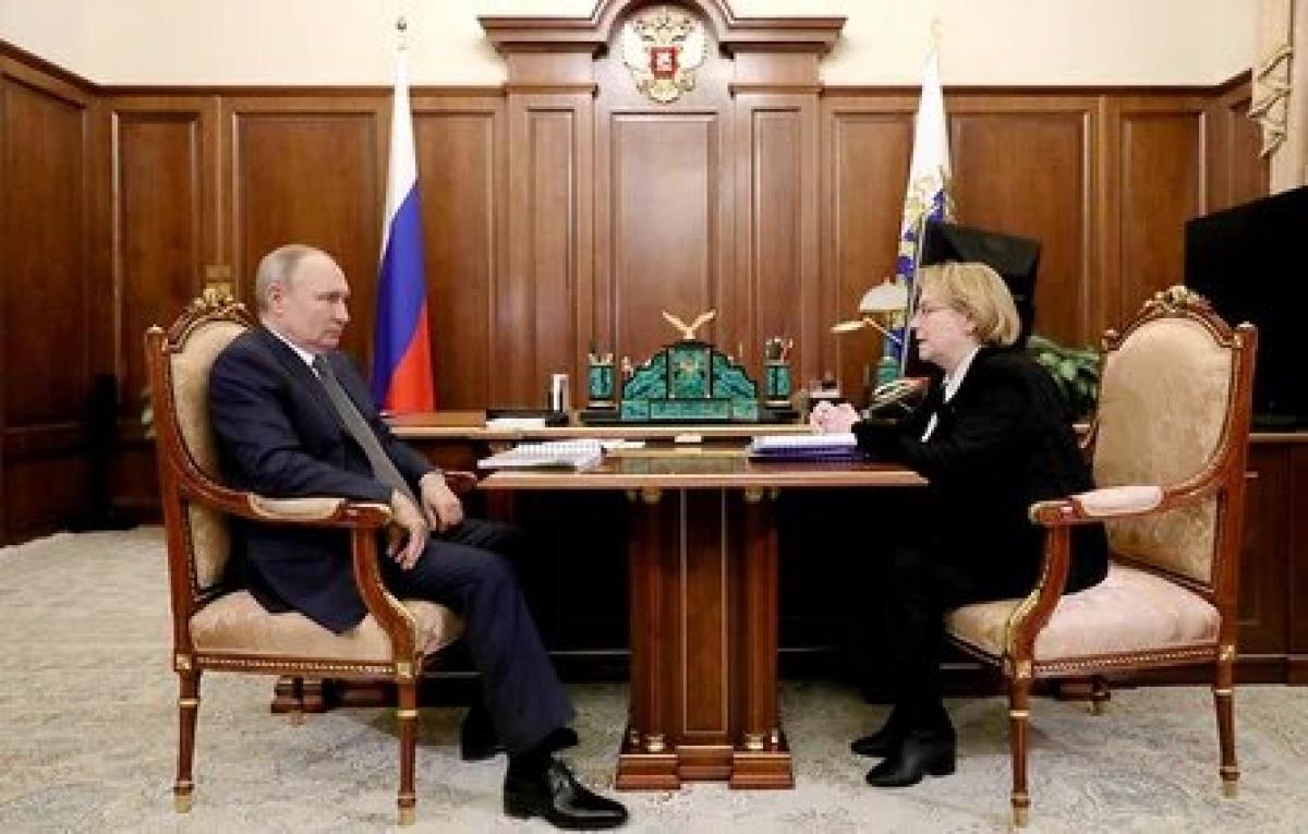 Tổng thống Nga V.Putin và bà V.Skvortsova tại cuộc gặp