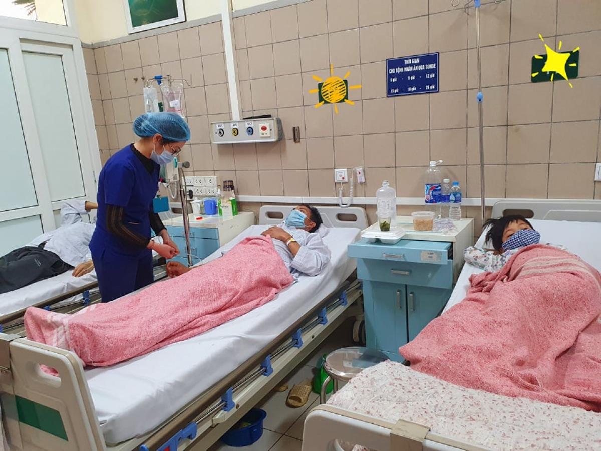 Hiện 2 bệnh nhân đang được điều trị tại Trung tâm Chống độc, BV Bạch Mai. (Ảnh: BVCC)