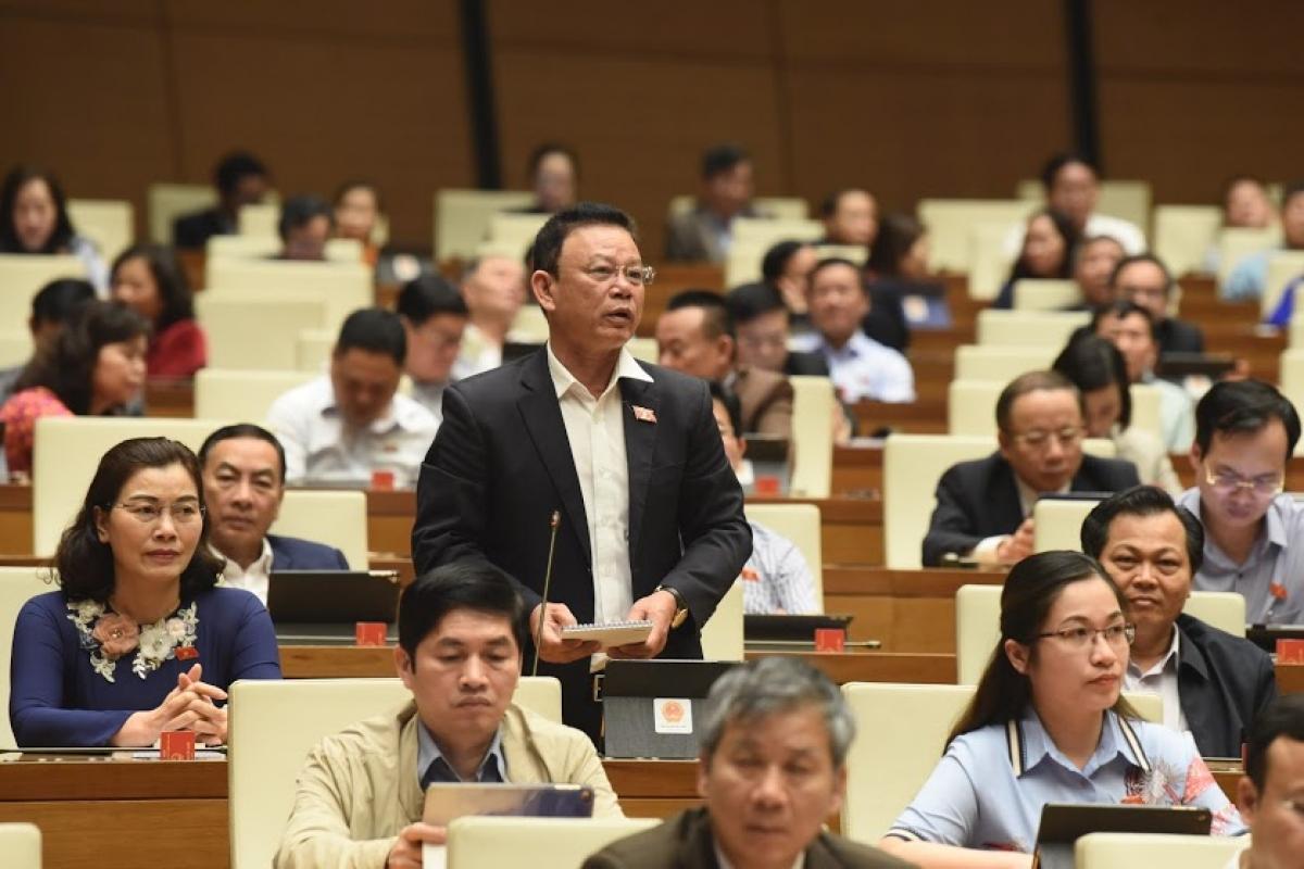 Đại biểu Nguyễn Duy Hữu - Đoàn đại biểu Quốc hội tỉnh Đắk Lắk, phát biểu tại phiên thảo luận.
