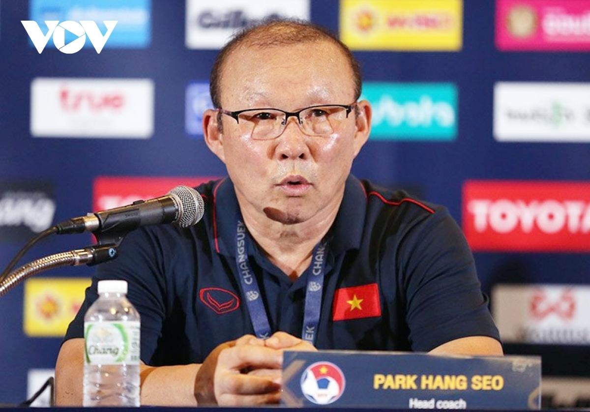 Lãnh đạo VFF lên tiếng về thông tin HLV Park Hang Seo muốn nhập quốc tịch  Việt Nam | VOV.VN