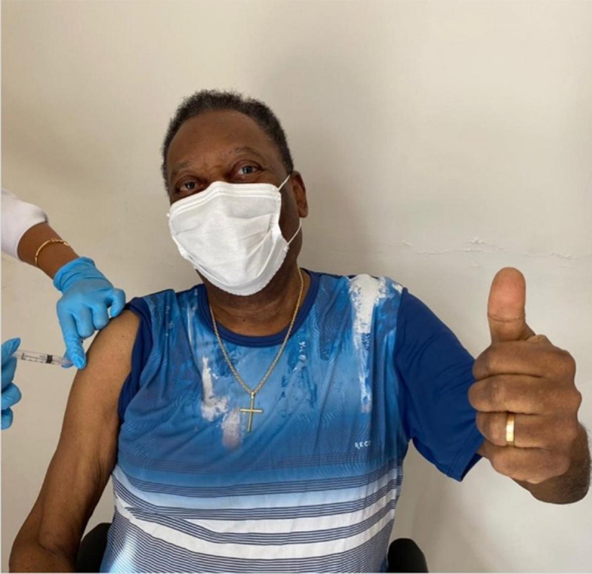 Vua bóng đá Pele được ưu tiên tiêm vaccine ngừa Covid-19 (Ảnh: Twitter).