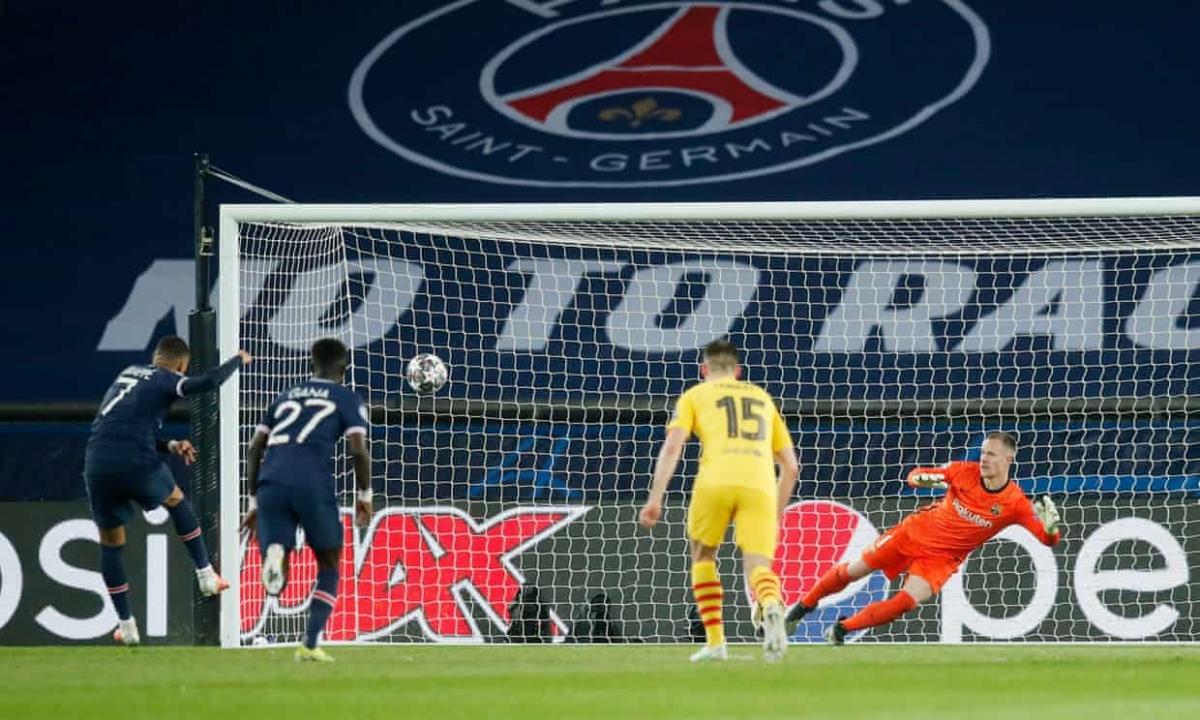 Mbappe lại ghi bàn vào lưới Barca. (Ảnh: Getty)