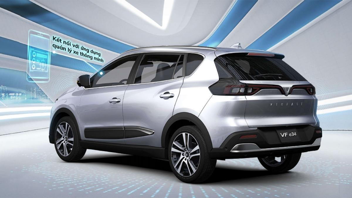 Xe điện có trọng tâm thấp, trọng lực cũng được cân bằng giúp xe vận hành ổn định, giảm thiểu nguy cơ lật so với xe xăng nhất là khi đi vào cua.