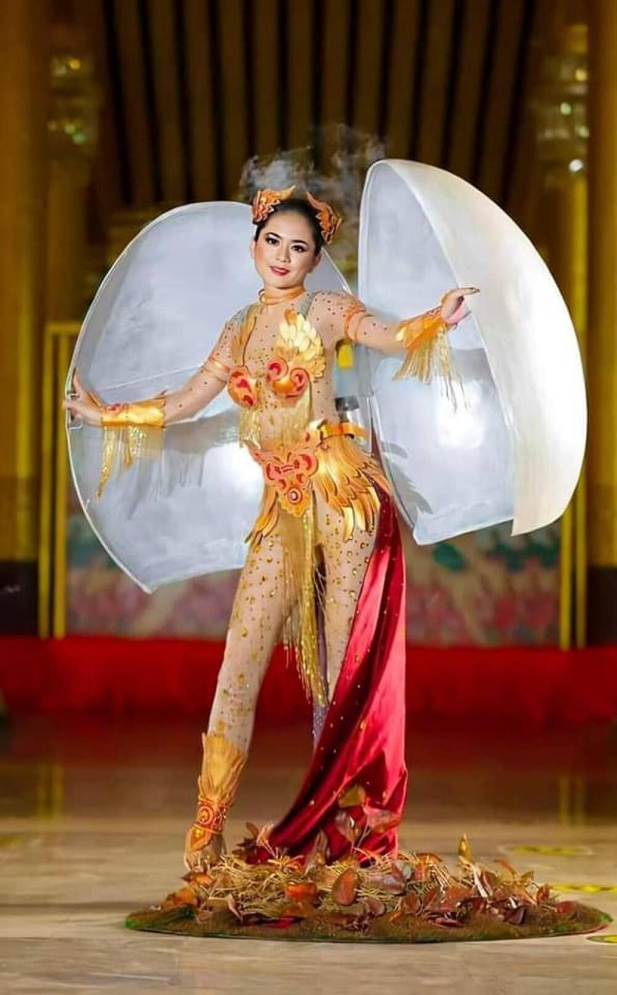 Thiết kế trang phục dân tộc thắng giải tại Hoa hậu Hoàn vũ Myanmar.
