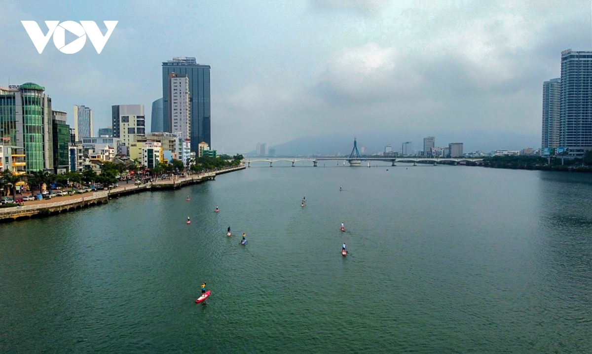 The competition also helps to popularise the new kind of water sports among local residents.