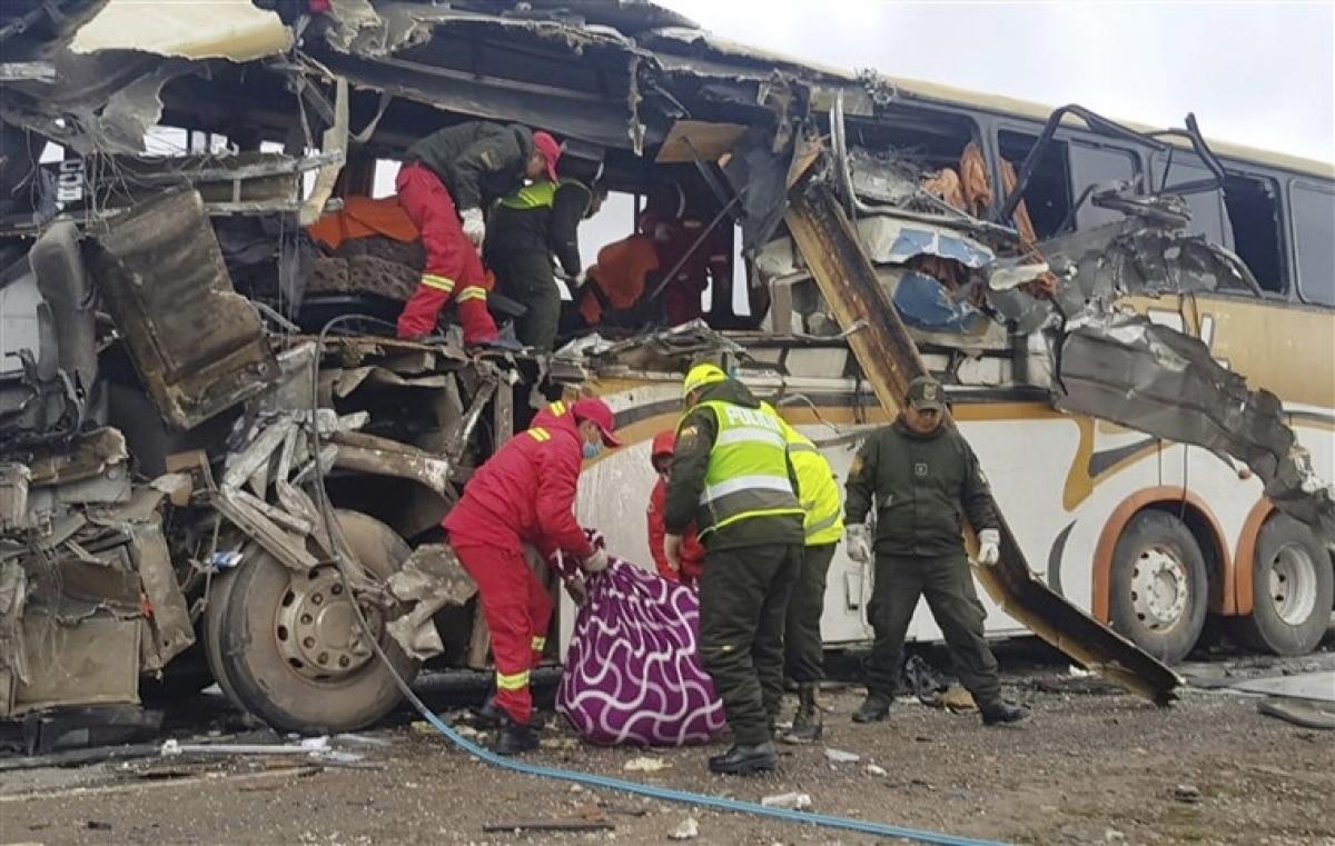 Một vụ tai nạn xe bus ở Bolivia. Ảnh minh họa: NBC News.