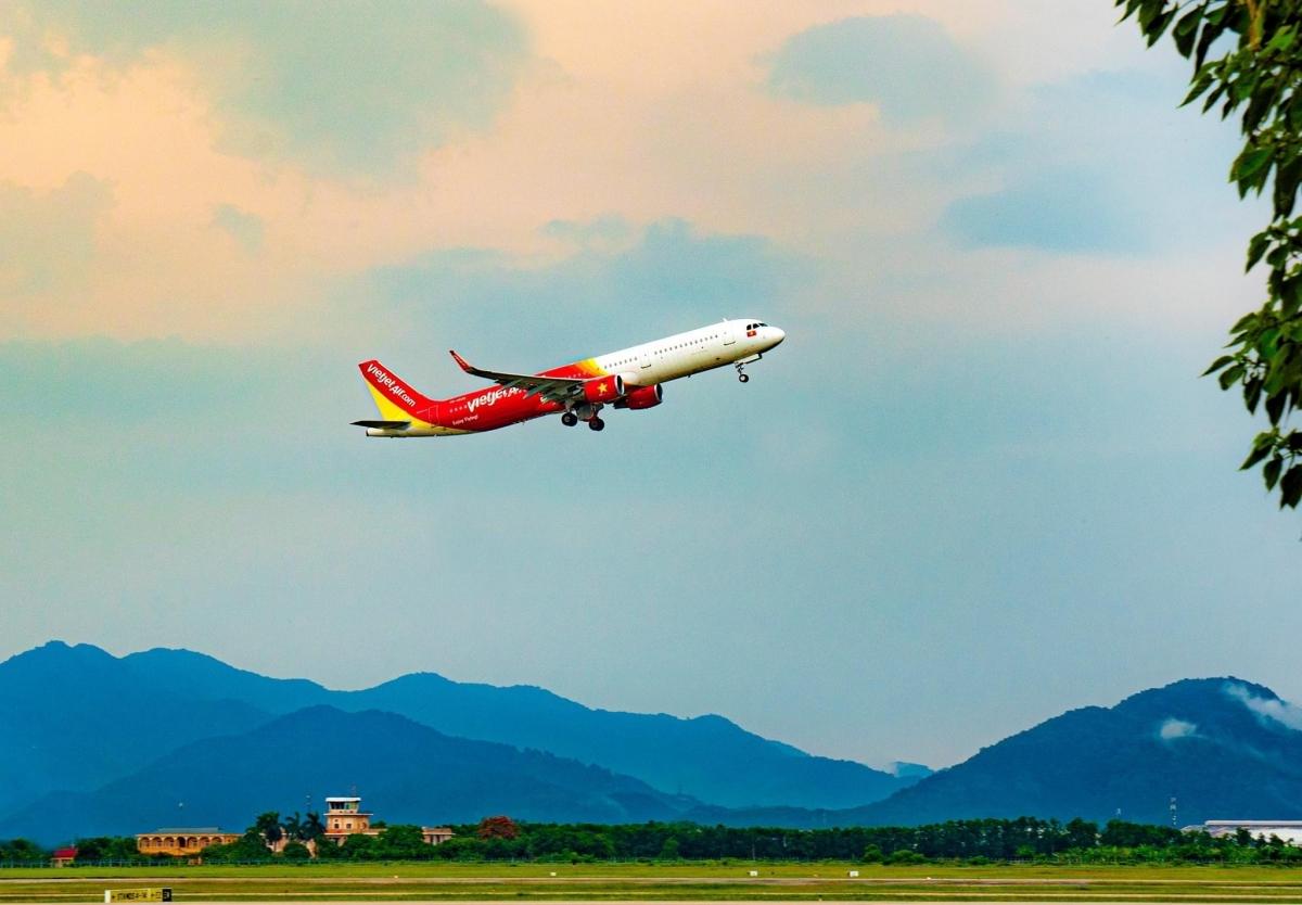 Các chuyến bay của Vietjet tuân thủ tiêu chuẩn cao nhất của Tổ chức Y tế Thế giới (WHO), Hiệp hội Vận tải Hàng không Quốc tế (IATA), Bộ Y tế... đảm bảo an toàn cho hành khách, phi hành đoàn và cả cộng đồng.