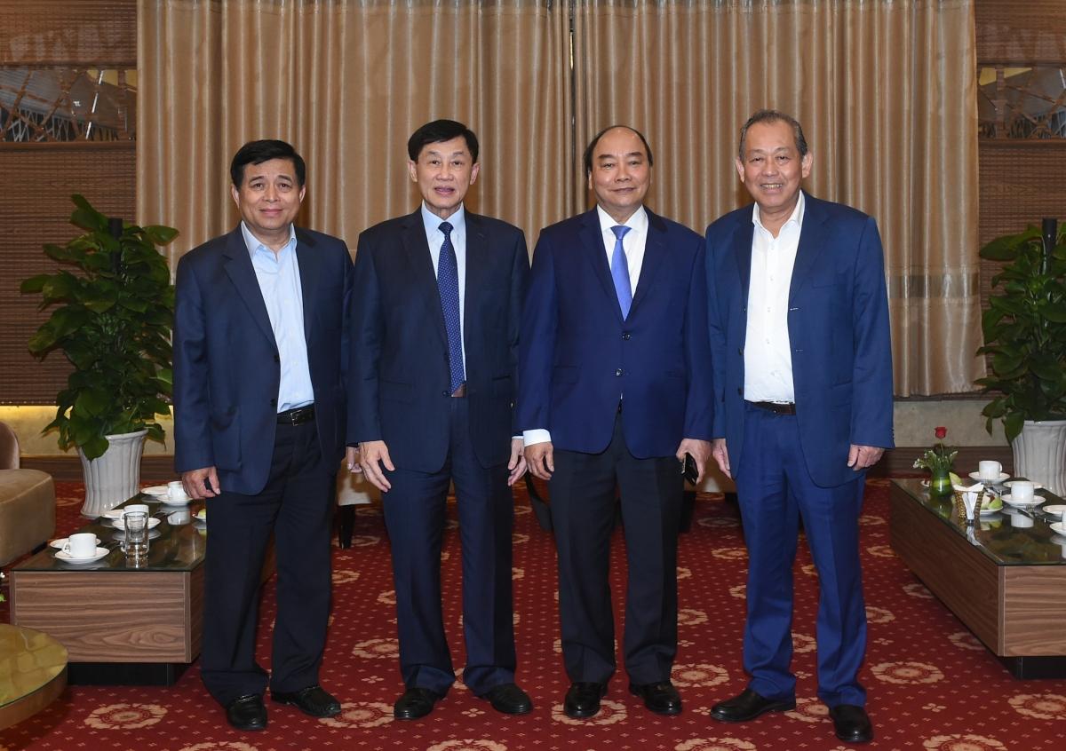 Thủ tướng Nguyễn Xuân Phúc tiếp ông Johnathan Hạnh Nguyễn-Chủ tịch HĐQT Tập đoàn Liên Thái Bình Dương (IPPG). Ảnh: VGP