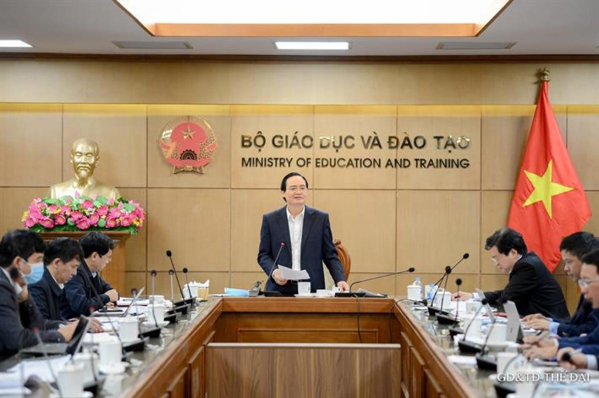 Bộ trưởng Phùng Xuân Nhạ nhấn mạnh cần giữ ổn định kỳ thi, nhưngkhông vì ổn định, công việc đã quen mà chủ quan, dẫn đến sơ suất không đáng có.