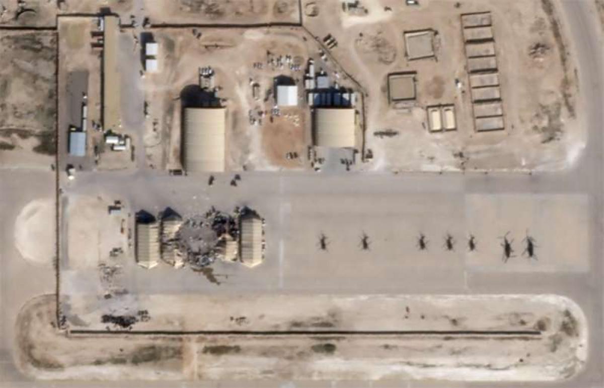 Hư hại tại căn cứ không quân Al Asad nhìn từ trên cao, ngày 8/1/2020. Ảnh: Reuters