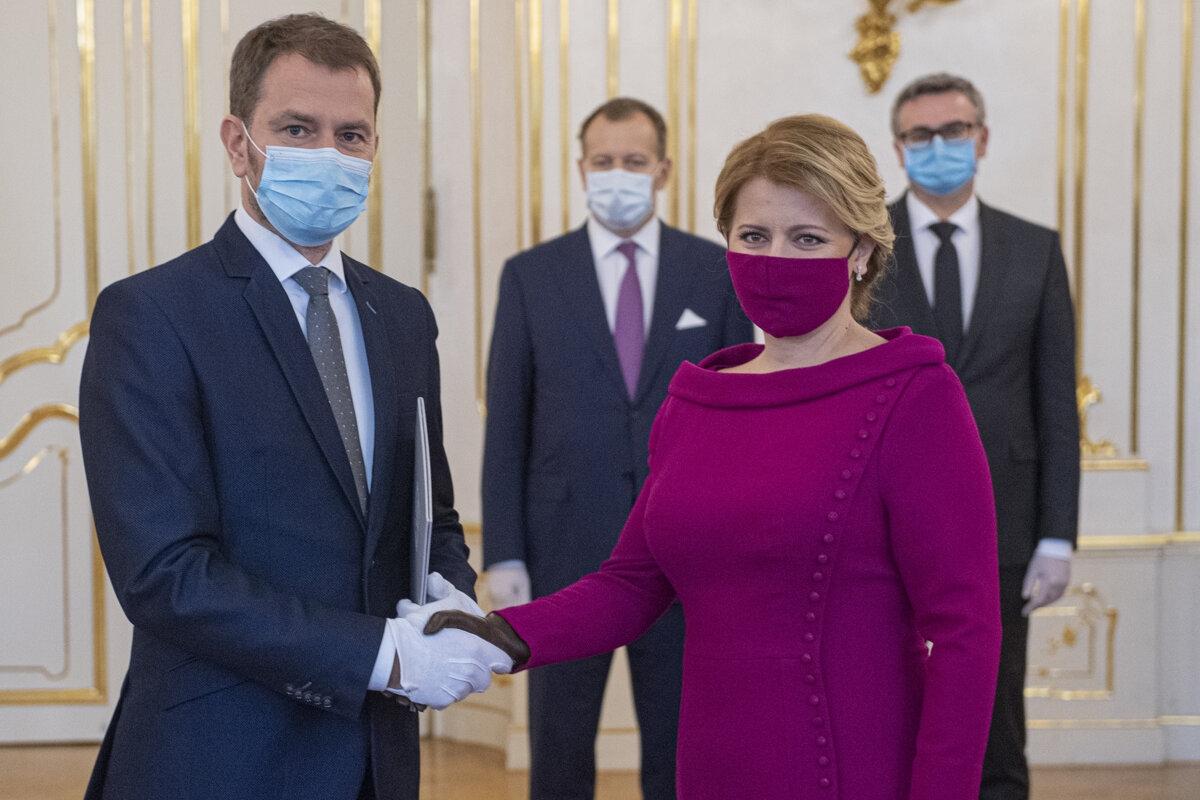 Thủ tướng Slovakia Matovic (trái) và Tổng thống Zuzana Caputova.