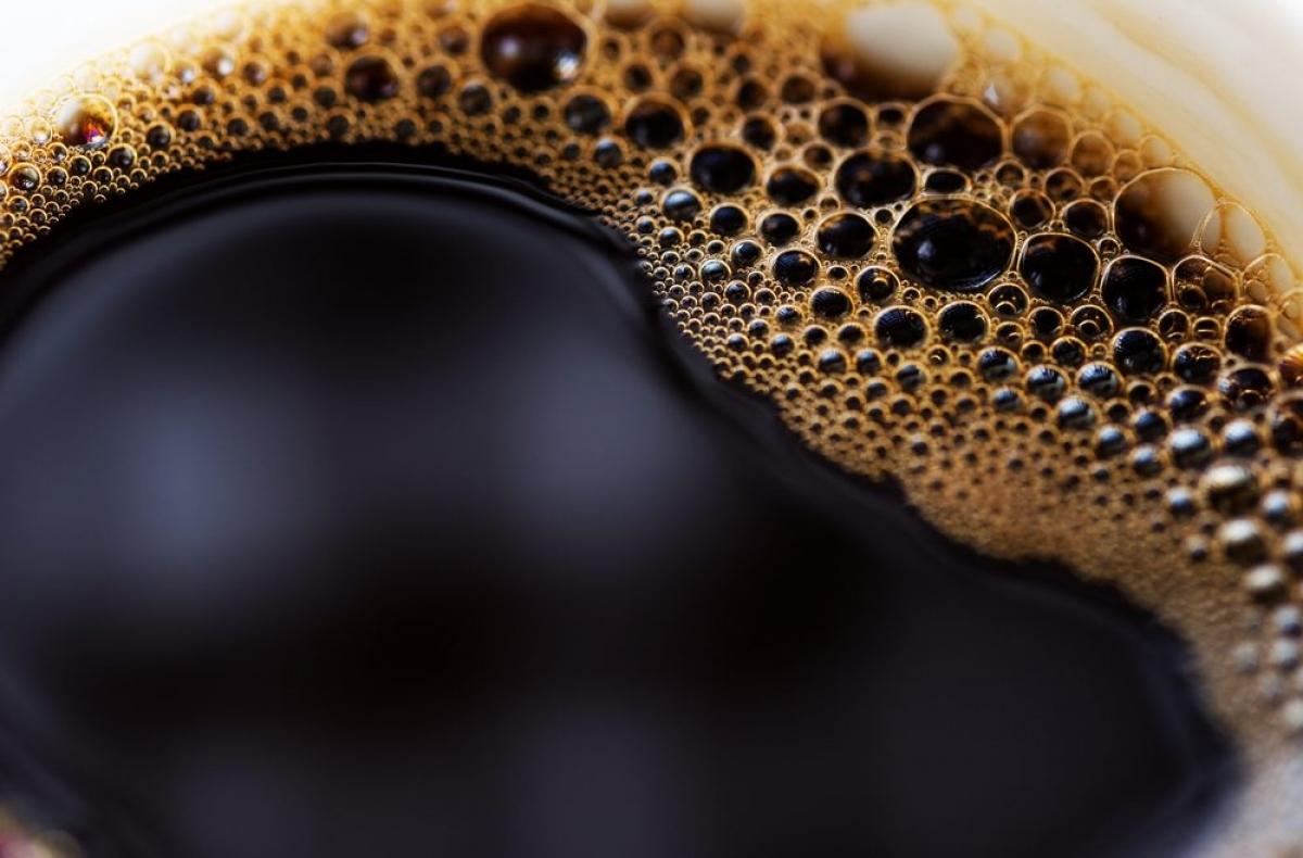 Cà phê: Chuyên gia cho biết uống một đến hai tách cà phê mỗi ngày có tác dụng tăng cường lưu thông máu thêm 30% so với những người không sử dụng caffeine.