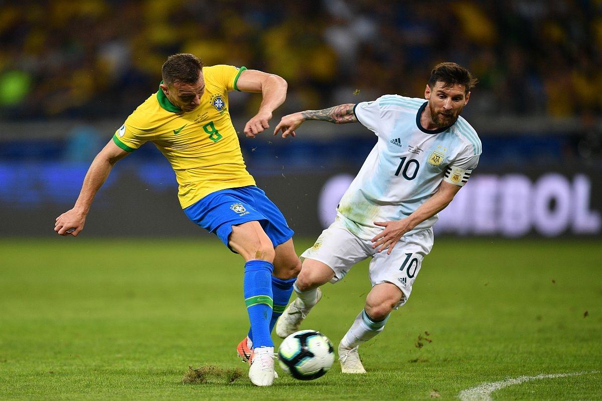 """Trận """"siêu kinh điển"""" giữa Brazil và Argentina bị hoãn. (Ảnh: Getty)"""