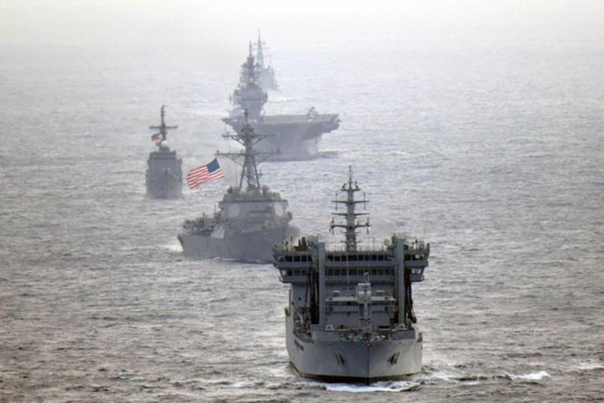 Các tàu hải quân của Mỹ, Nhật Bản, Ấn Độ và Philippines tập trận ở Biển Đông. Ảnh: Lực lượng phòng vệ biển Nhật Bản.