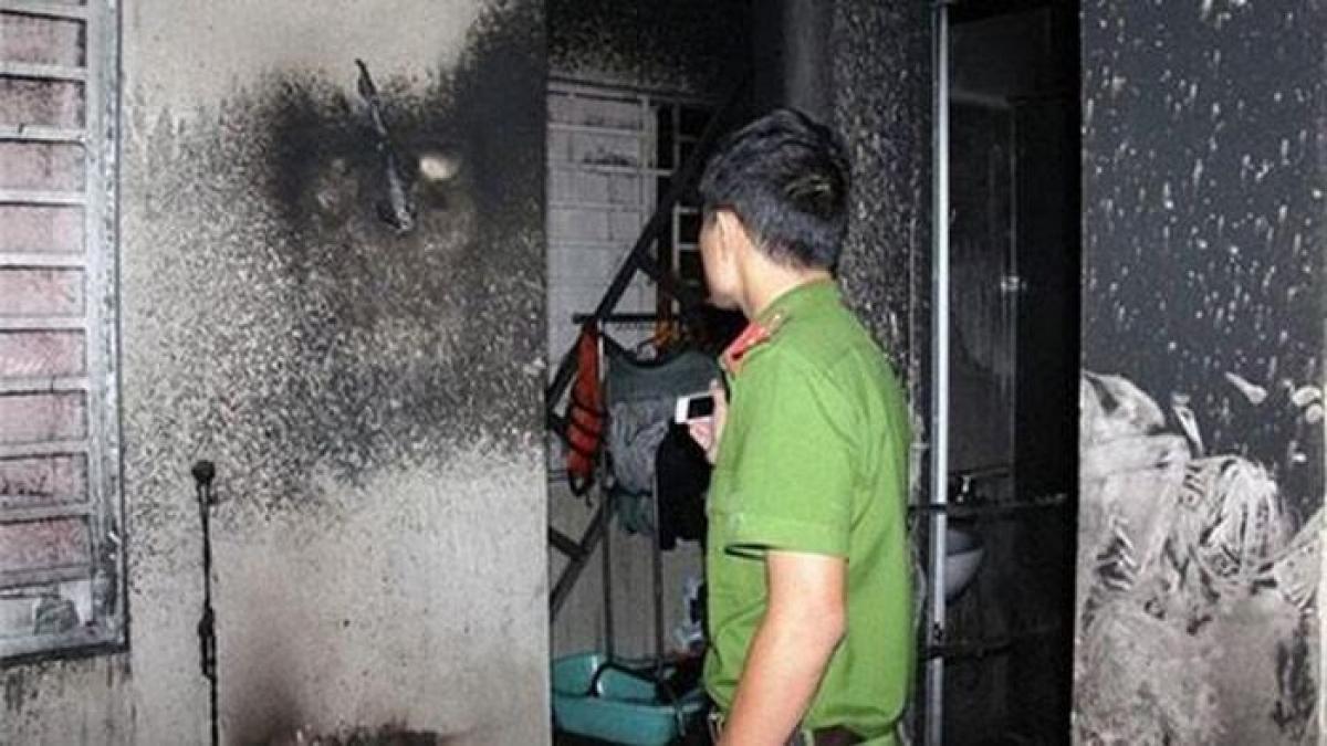 Công an khám nghiệm 1 vụ cháy trước đó.
