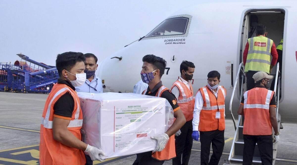 Ấn Độ đã xuất khẩu hàng chục triệu liều vaccine ngừa Covid-19 tới các nước trên thế giới. Ảnh: Indian Express