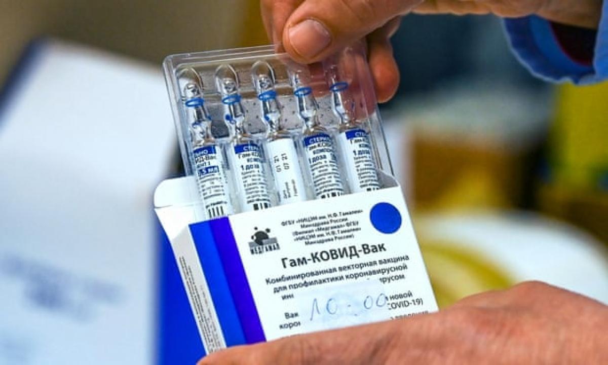 Vaccine ngừa COVID-19 Sputnik V của Nga. Ảnh: EPA