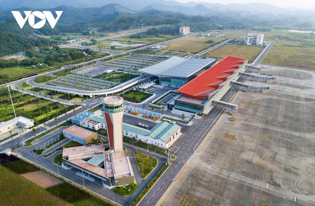 Upon opening, the airport will serve flights operated by domestic airlines VietJet Air and Vietnam Airlines between Van Don and Ho Chi Minh City from Tuesdays to Sundays.