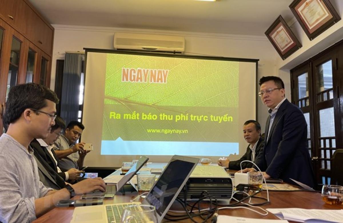 Nhà báo Lê Quốc Minh - Ủy viên Trung ương Đảng, Phó Tổng Giám đốc Thông tấn xã Việt Nam phát biểu tại lễ ra mắt. (Ảnh: Minh Sơn/Vietnam+)