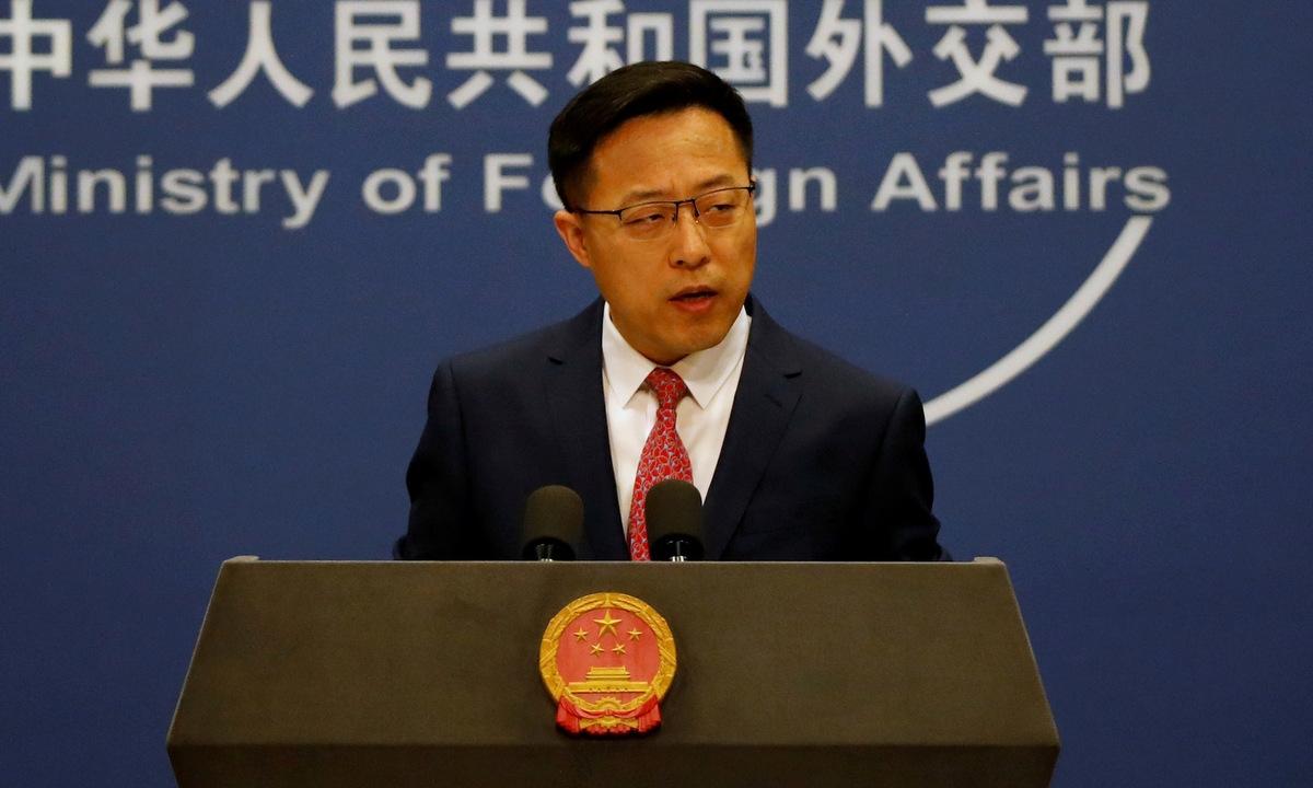 Phát ngôn viên Bộ Ngoại giao Trung Quốc Triệu Lập Kiên họp báo hồi tháng 4/2020. Ảnh: AFP