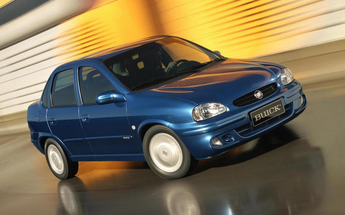 Buick Sail: Phiên bản Corsa của Buick, là đối thủ của những thương hiệu Chervolet, Opel và Vauxhall, được đi vào sản xuất tại Trung Quốc vào năm 2001. Đầu tiên xe được giới thiệu dưới dạng saloon 4 cửa và sau này là 5 cửa. Năm 2005, chiếc Sail được đổi tên thành Chevrolet sau khi GM đưa cái tên này đến thị trường Trung Quốc.
