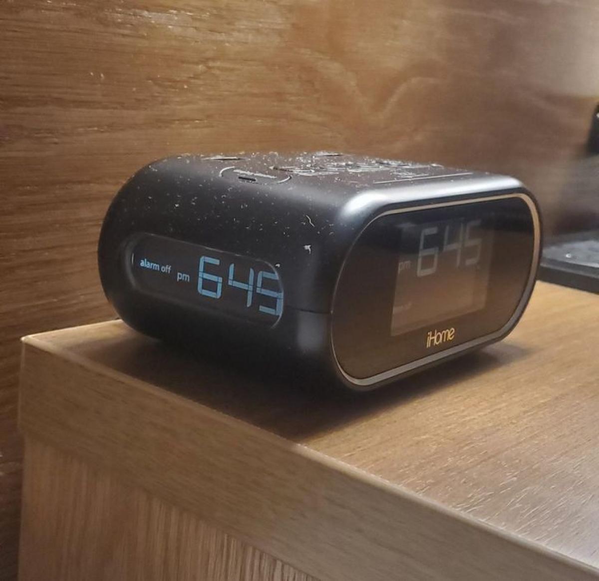 Chiếc đồng hồ giúp bạn lúc nào cũng có thể nhìn thấy giờ mà không cần phải di chuyển./.