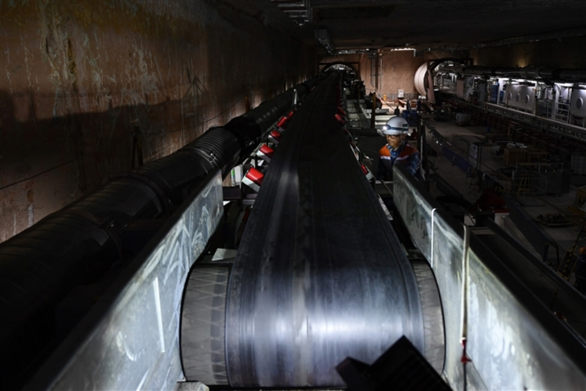"""Trước đó, ngày 9/2/2021 máy đào hầm TBM thứ nhất với tên gọi """"Thần Tốc"""" đã hoàn thành công tác thí nghiệm nghiệm thu tại công trường."""