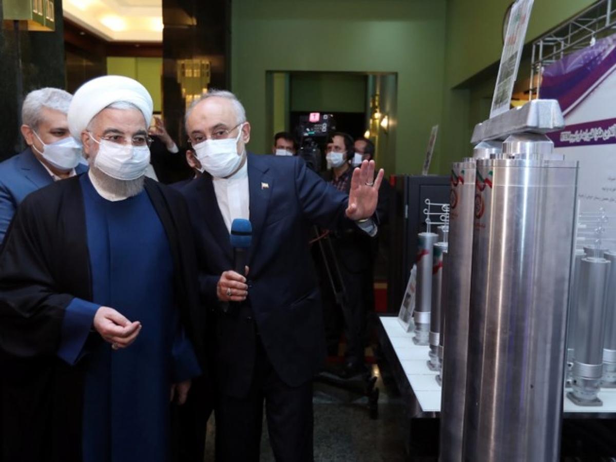 Tổng thống Iran Hassan Rouhani tại buổi lễ khởi chạy máy ly tâm mới tại cơ sở làm giàu urainum đặt ở TP Natanz ngày 10/4. Ảnh: Reuters.